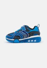 Geox - BAYONYC BOY - Zapatillas - royal/light blue - 0