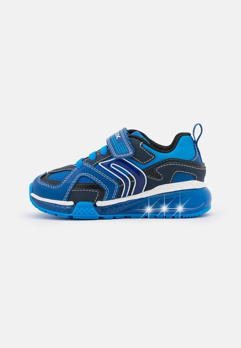 Geox - BAYONYC BOY - Zapatillas - royal/light blue