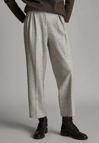 Massimo Dutti - Pantalon classique - mottled gry - 0