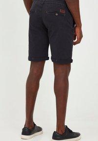INDICODE JEANS - MIKA - Shorts - jet black - 2