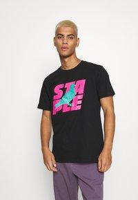 STAPLE PIGEON - STACKED LOGO TEE UNISEX - Print T-shirt - black - 0