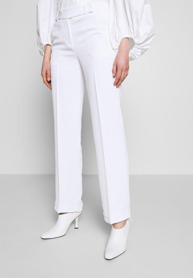 STRAIGHT LEG PANT - Kangashousut - white