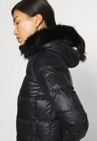 Calvin Klein - ESSENTIAL REAL COAT - Donsjas - black - 6