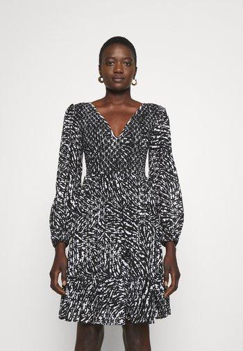 ZEBRA SMOCK DRESS - Juhlamekko - white/black