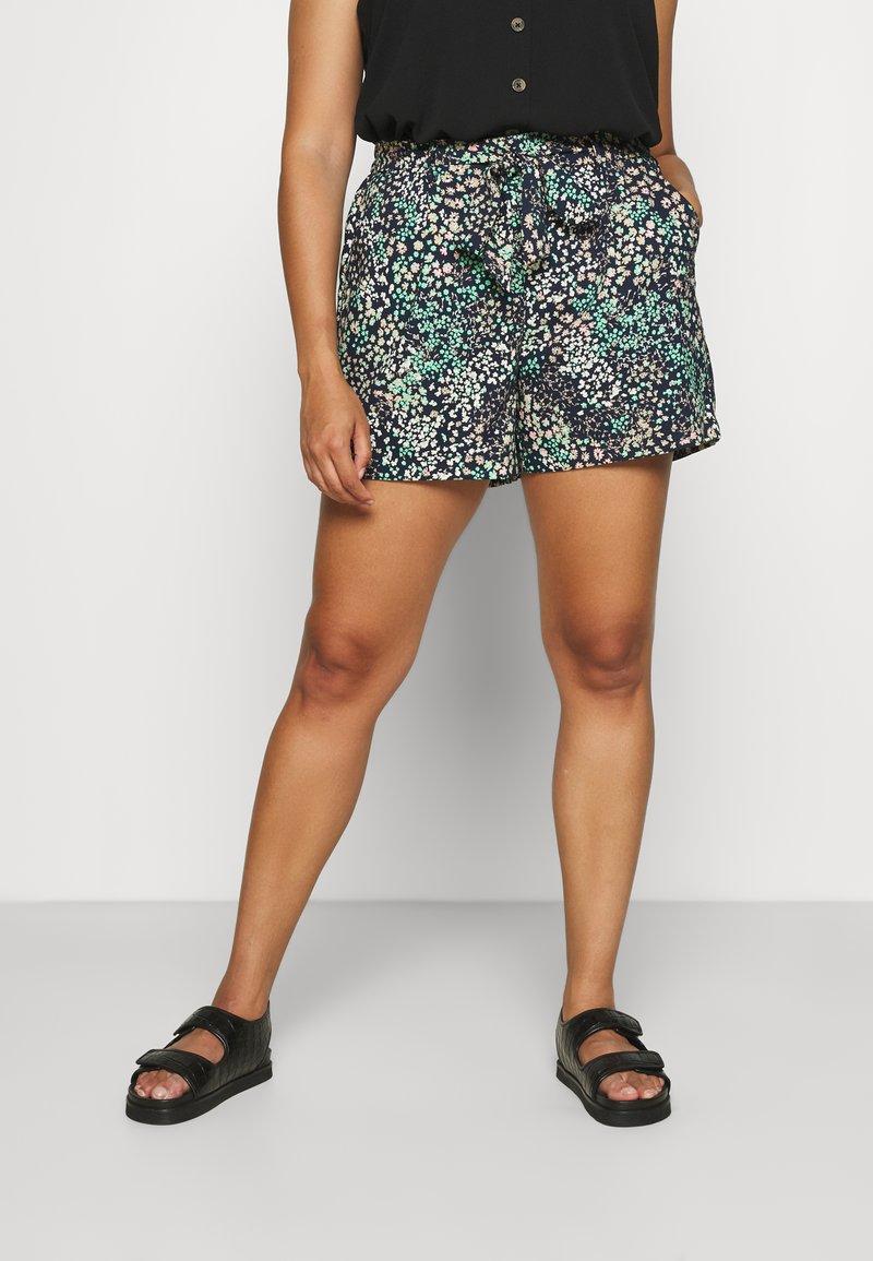 Vero Moda Curve - VMHANNAH  - Shorts - navy blazer