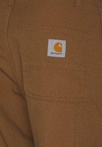 Carhartt WIP - RUCK SINGLE KNEE PANT DEARBORN - Broek - hamilton brown rinsed - 2
