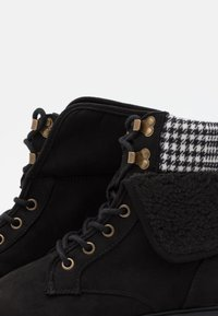 New Look - CHILLED - Lace-up ankle boots - black - 6