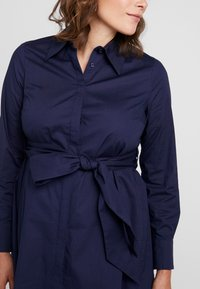 IVY & OAK Maternity - MATERNITY FLARED - Camicia - winter true blue - 4