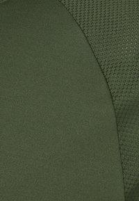 Casall - STRUCTURED TEE - Jednoduché triko - northern green - 2