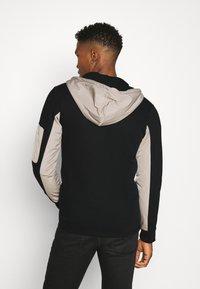 Redefined Rebel - RODNEY SWEAT - veste en sweat zippée - black - 2