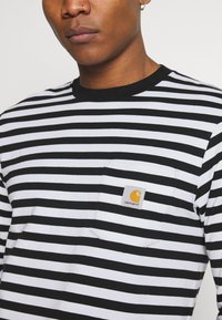 Carhartt WIP - SCOTTY POCKET - Long sleeved top - black/white - 5