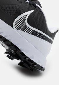 Nike Golf - REACT INFINITY PRO - Golfové boty - black/white - 5