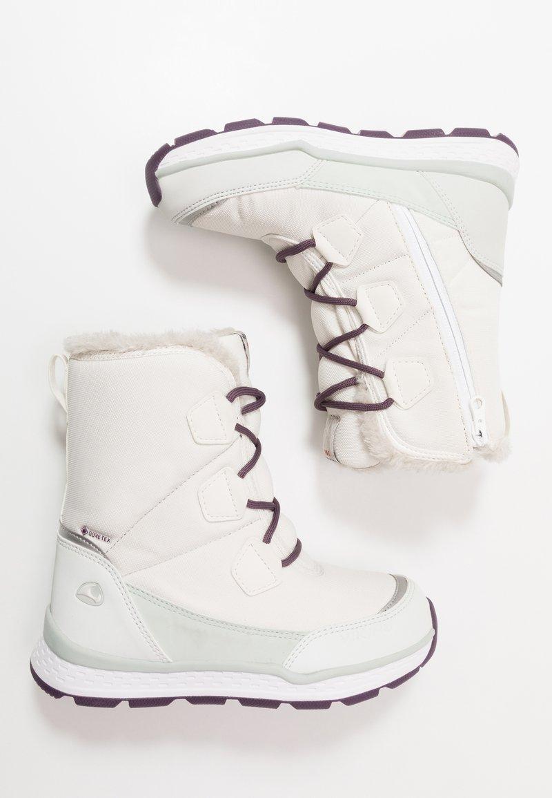 Viking - SOLLI GTX - Winter boots - eggshell/light green