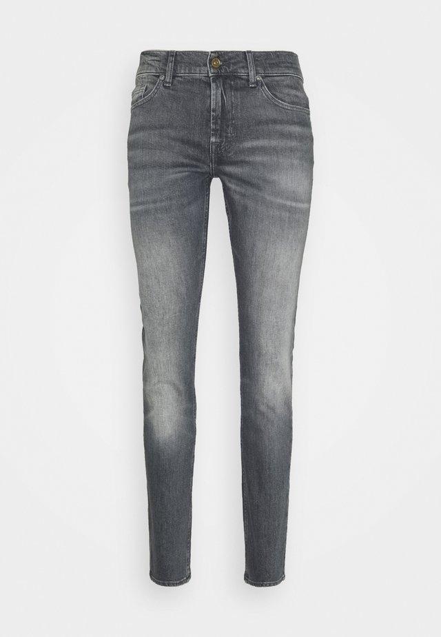 RONNIE VELA - Jeans Skinny Fit - grey