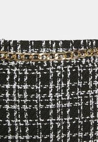 New Look - CHAIN MINI SKIRT - Mini skirt - black - 5