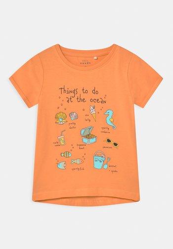 NMFVIX - Print T-shirt - cantaloupe