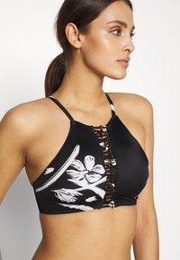 O'Neill - SOARA COCO - Bikini top - black/white - 3
