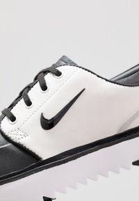 Nike Golf - JANOSKI G TOUR - Golf shoes - black/phantom/white - 5
