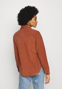 BDG Urban Outfitters - WESTERN SHIRT - Button-down blouse - gingerbread - 2
