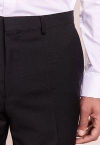 HUGO - HARTLEYS - Pantalón de traje - black - 3