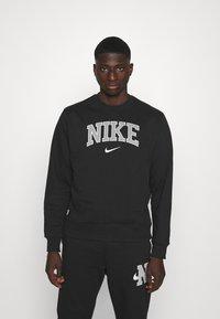Nike Sportswear - RETRO CREW - Sweatshirt - black - 0
