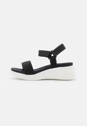 CHACHI - Sandály na platformě - black