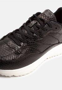 Woden - SOPHIE SNAKE - Sneakers - black - 5