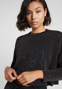 Guess - SHINY ROUNDNECK - Long sleeved top - black/multi - 4