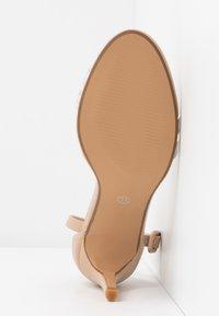 Rubi Shoes by Cotton On - SHARI DOUBLE STRAP STILLETO - Sandály na vysokém podpatku - nude/clear - 6