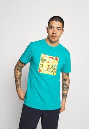 FRUITS MUSHROOMS - Print T-shirt - teal