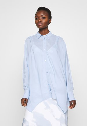 AYONESS SHIRT - Button-down blouse - light blue