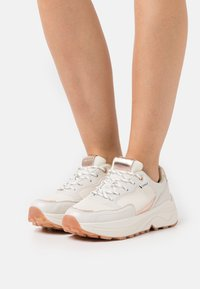 ONLY SHOES - ONLSYLVIE  - Joggesko - white - 0
