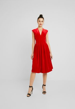 Suknia balowa - haute red