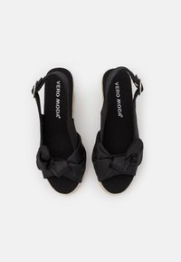 Vero Moda - VMFELIA WEDGE  - Platform sandals - black - 5