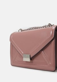 Dorothy Perkins - ENVELOPE BOXY XBODY BAG - Across body bag - blush - 3