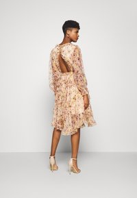 YAS - YASLUSAKA DRESS - Cocktailjurk - light pink - 2