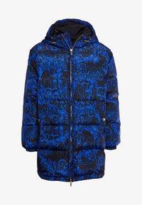 Versace Jeans Couture - LONG DOWN JACKET - Daunenmantel - black/blue - 5