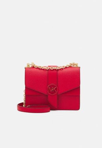 GREENWICH XBODY - Across body bag - bright red