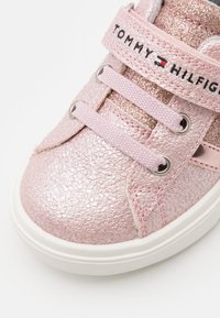 Tommy Hilfiger - Sneakers laag - pink - 5