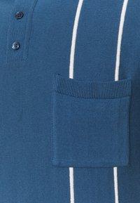 Far Afield - ALFARO - Polo shirt - ensign blue/white sand - 5