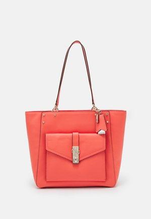 ALBURY TOTE - Handbag - coral
