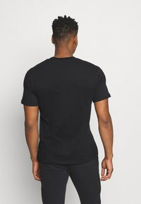 Jack & Jones PREMIUM - JPRBLAPEACH TEE CREW NECK - Basic T-shirt - black - 2