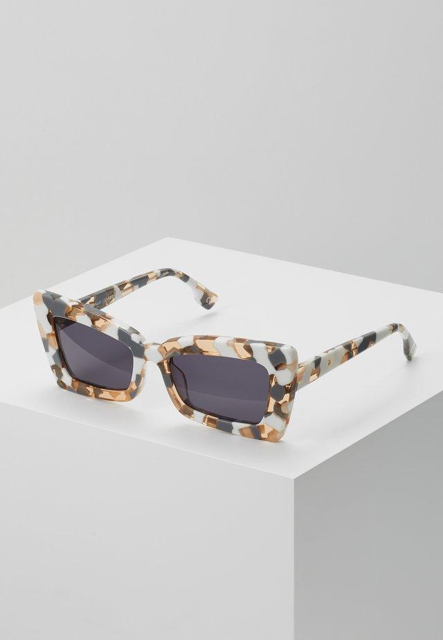 ZAAP - Sunglasses - smoke mono
