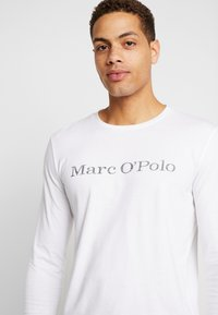 Marc O'Polo - LONGSLEEVE ROUND NECK - Long sleeved top - white - 4