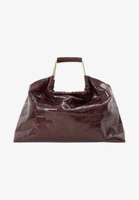 MIT KROKOPRÄGUNG UND GRIFFEN - Handtasche - brown