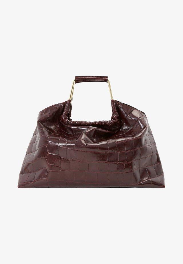 MIT KROKOPRÄGUNG UND GRIFFEN - Handbag - brown