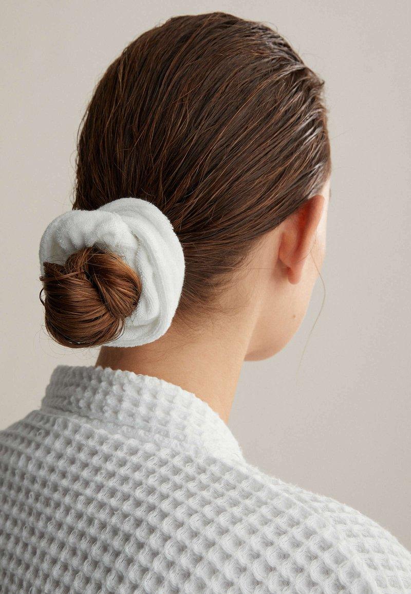 OYSHO - Headscarf - white