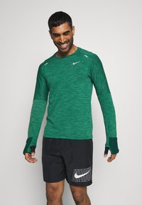 Nike Performance - SPHERE ELEMENT CREW 3.0 - Fleece jumper - pro green/lucky green - 0