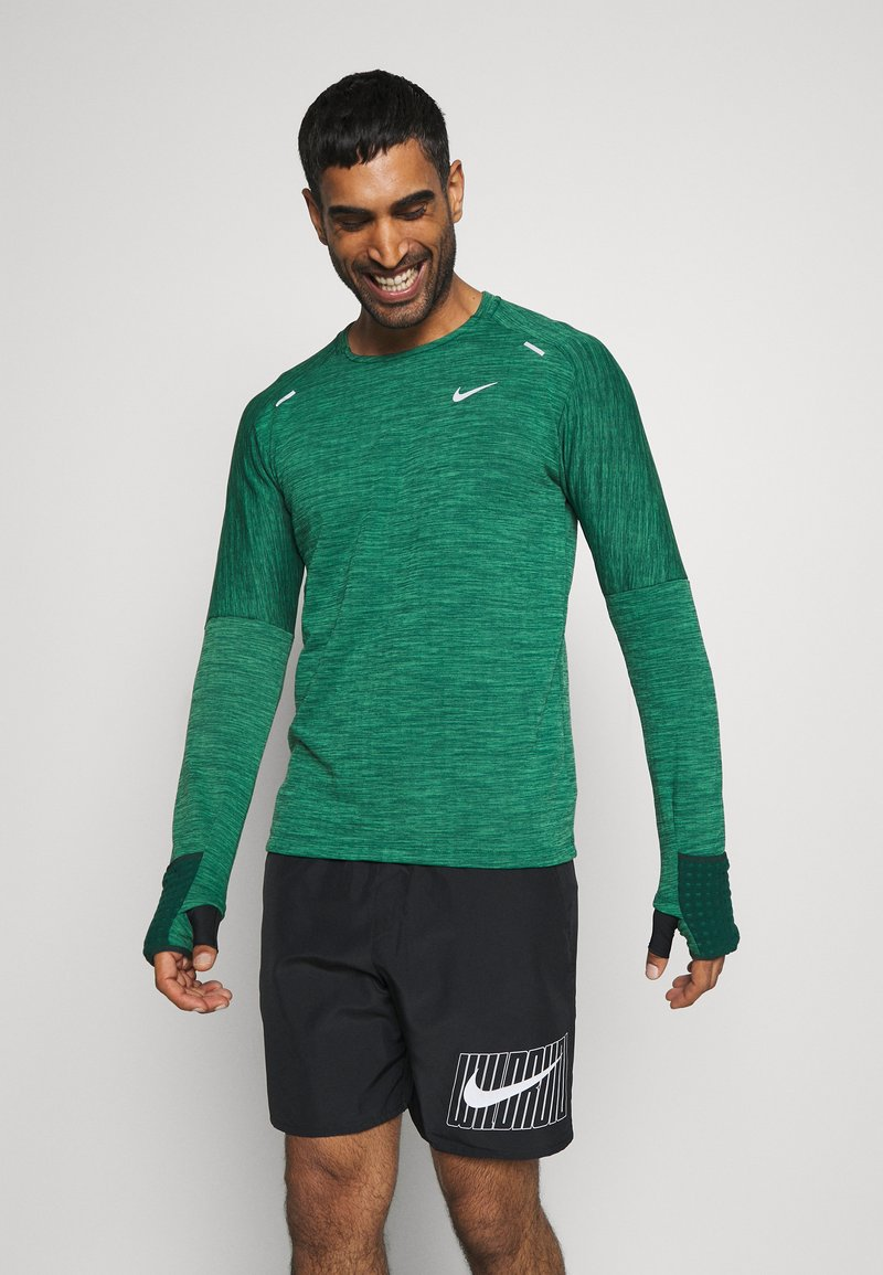 Nike Performance - SPHERE ELEMENT CREW 3.0 - Fleece jumper - pro green/lucky green