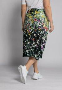 Ulla Popken - Pleated skirt - multi-coloured - 2